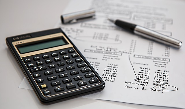 3 Tips To Manage Your Money During The Tight Months